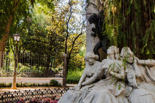 Mafe Roig Photography Monumento Becquer Sevilla